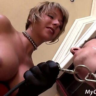 Bigtitted blonde playing with her serf