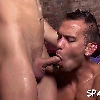 Homo massage bait