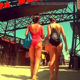 Amazing Two Teens Have Fuckable Cheeky Asses in Bikini