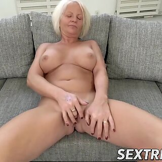 Kinky Anett has pussy pumped with young dick after BJ