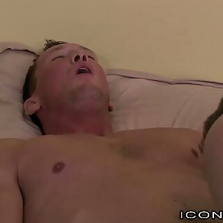 This Big Dick Hunk Daddy Knows How 2 Cheer Up College Boys