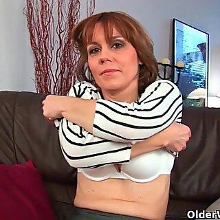 innate milf vulva with lots of hair