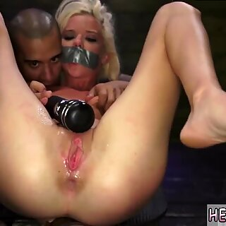 Pee in glass for slave Halle Von is in town on vacation with her boypatron.