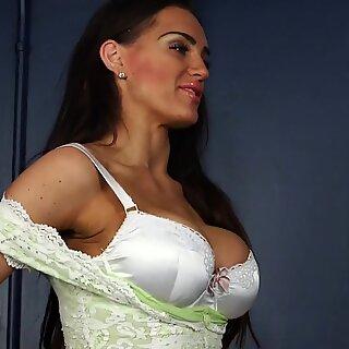 stunning voyeur beautiful babe dominates big penis